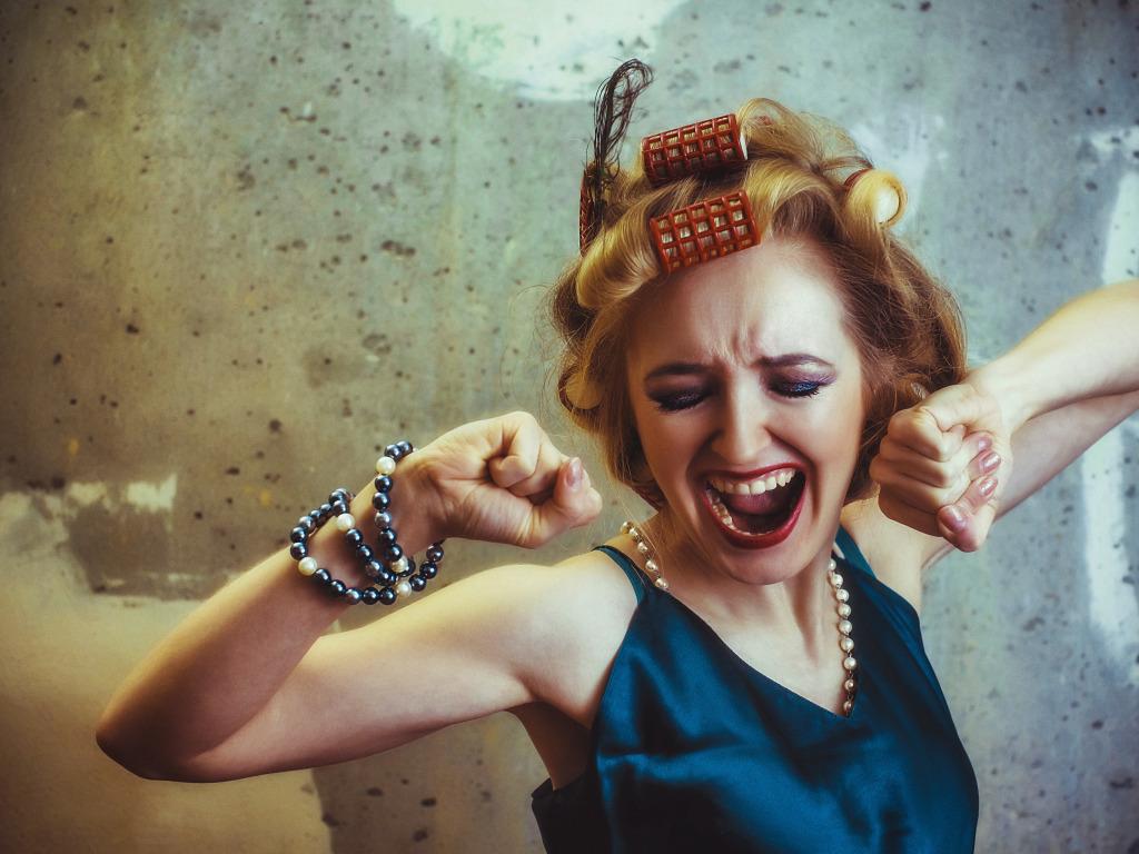 Drama Queen: Γιατί πρέπει να εγκαταλείψεις το δράμα στο φλερτ