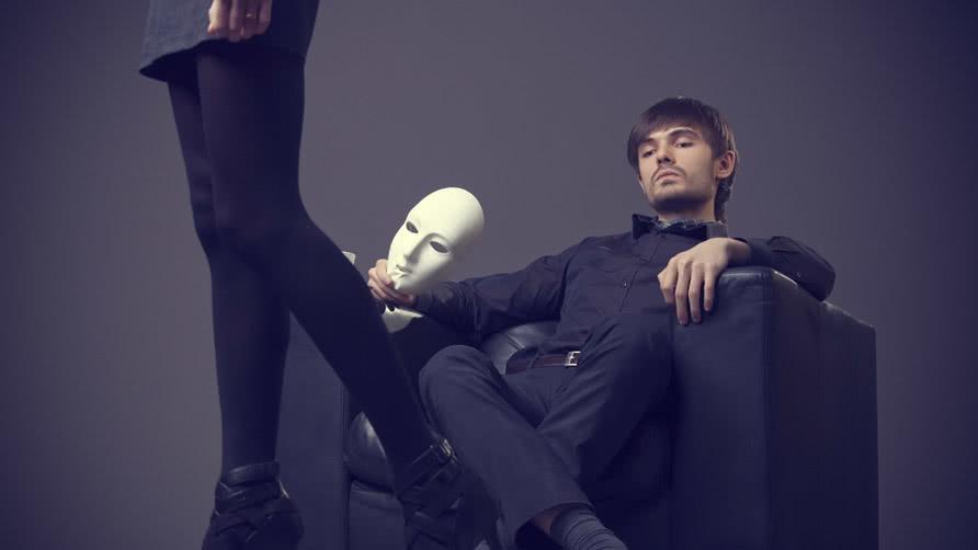 Πώς να διαχειρίζεσαι τη Ζήλια, Πως να καταλάβεις αν κάποιος σε ζηλεύει