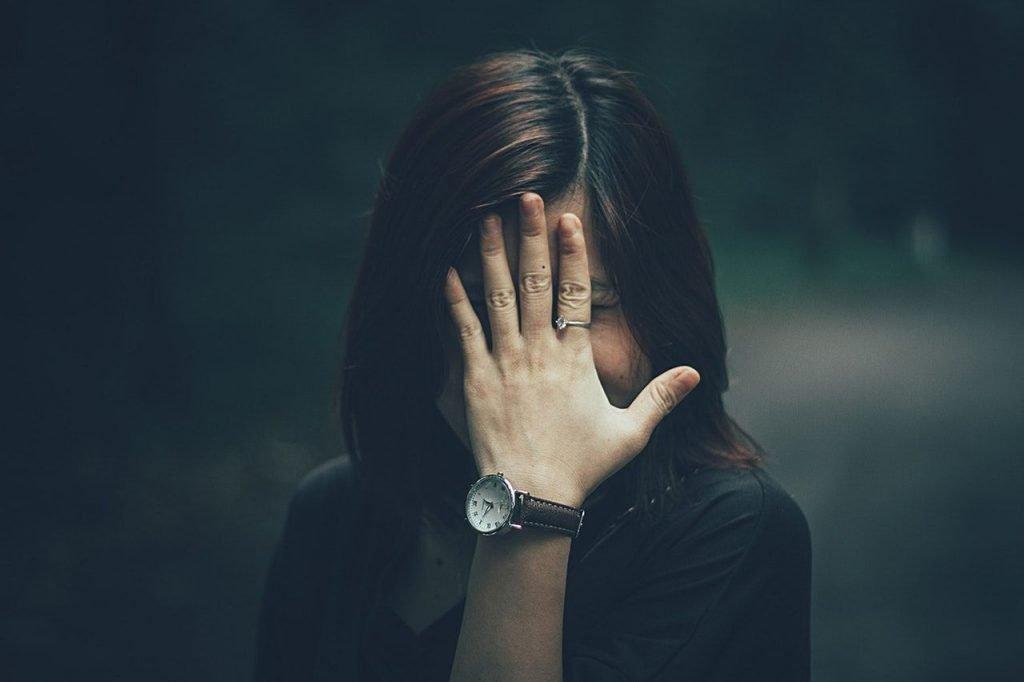 Μην απολογείσαι: Σταμάτα να λες συνέχεια «συγγνώμη»