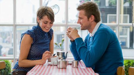 Τι πρέπει να ξέρεις αν βγαίνεις με έναν χωρισμένο άνδρα, Παντρεμένη και φλερτ: τι είναι υγιές και τι ξεπερνά τα όρια;